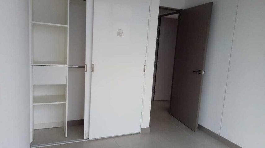 Apartamento San Jose>Curridabat>Curridabat - Alquiler:800 US Dollar - codigo: 19-1238