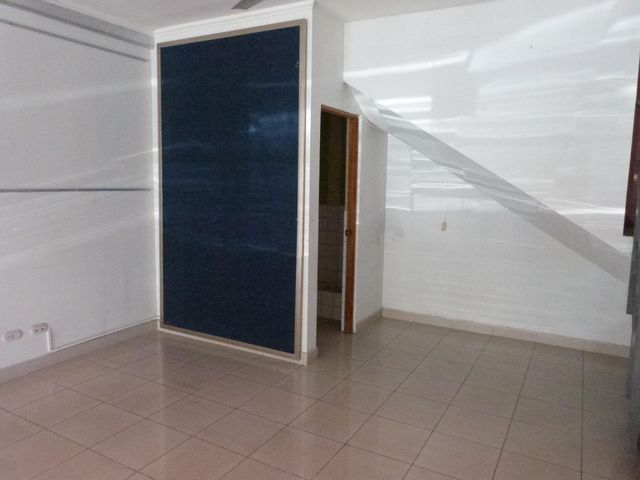 Local comercial San Jose>San Rafael Escazu>Escazu - Venta:180.000 US Dollar - codigo: 19-1261