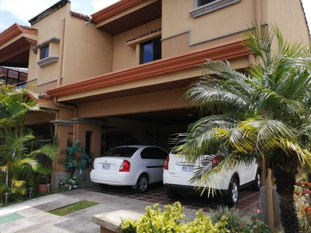 Casa San Jose>San Juan>Tibas - Venta:165.000 US Dollar - codigo: 19-341