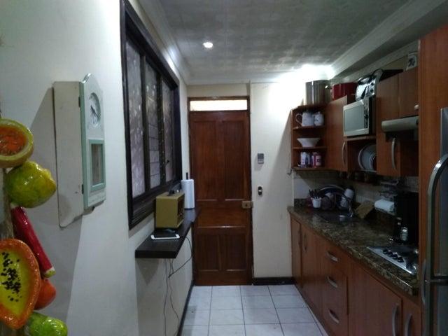 Casa Heredia>San Francisco>Heredia - Venta:140.000 US Dollar - codigo: 19-1328