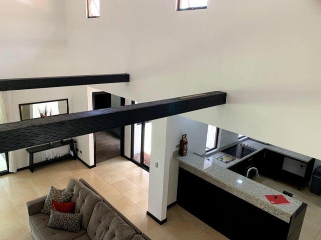Casa San Jose>Santa Ana>Santa Ana - Venta:268.000 US Dollar - codigo: 19-1341