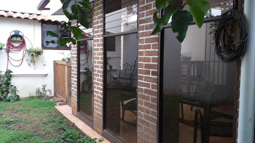 Casa San Jose>Rohrmoser>Pavas - Venta:200.000 US Dollar - codigo: 19-1346