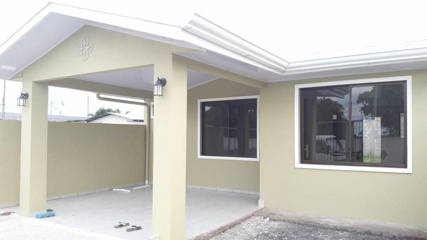 Casa Limon>Guapiles>Pococi - Venta:60.000 US Dollar - codigo: 19-1589