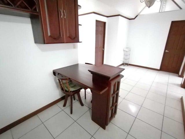 Casa Heredia>Ulloa>Heredia - Venta:136.000 US Dollar - codigo: 19-1591