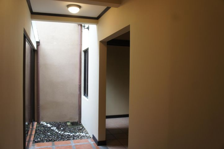 Casa Heredia>Belen>Belen - Venta:200.000 US Dollar - codigo: 19-1612