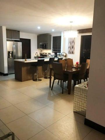 Casa San Jose>San Rafael Escazu>Escazu - Venta:315.000 US Dollar - codigo: 19-1625