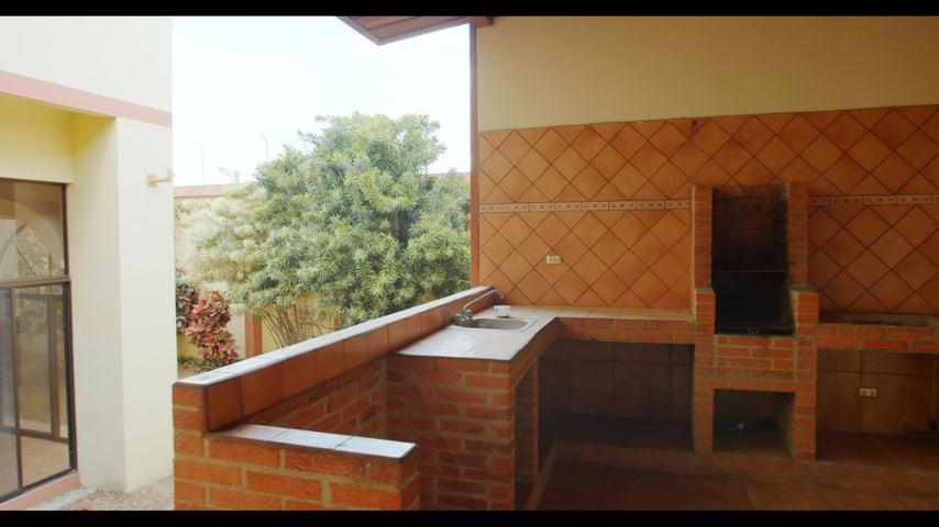 Casa San Jose>Rohrmoser>Pavas - Venta:950.000 US Dollar - codigo: 19-499