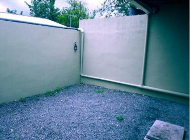 Casa Limon>Guapiles>Guacimo - Venta:44.000 US Dollar - codigo: 20-437