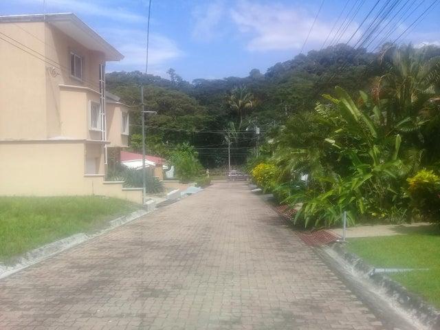 Terreno Puntarenas>Punta Leona>Garabito - Venta:98.000 US Dollar - codigo: 20-493