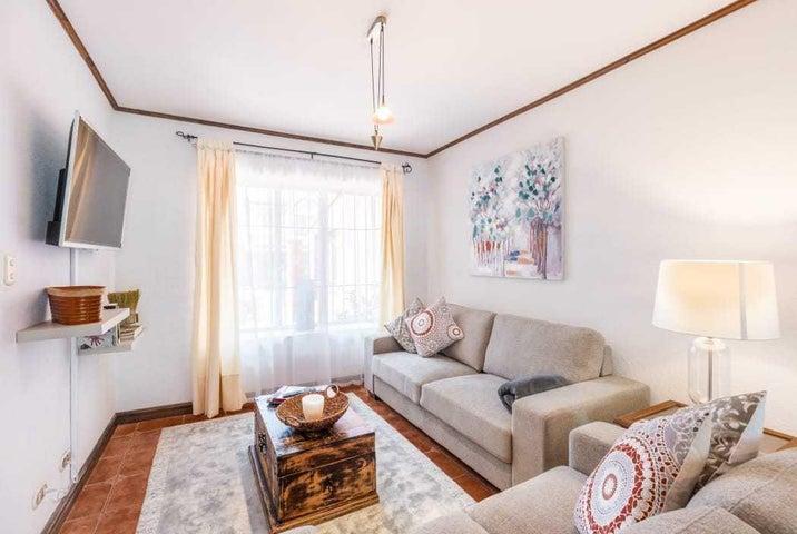 Casa Heredia>Ulloa>Heredia - Venta:165.000 US Dollar - codigo: 20-496