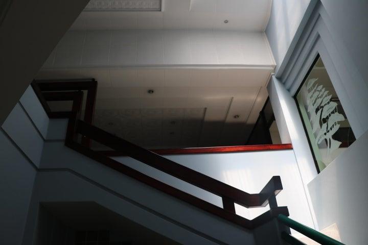 Edificio San Jose>San Jose>San Jose - Venta:2.500.000 US Dollar - codigo: 20-537