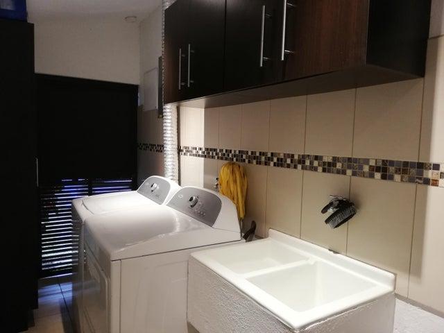 Casa San Jose>Bello Horizonte>Escazu - Venta:247.000 US Dollar - codigo: 20-695