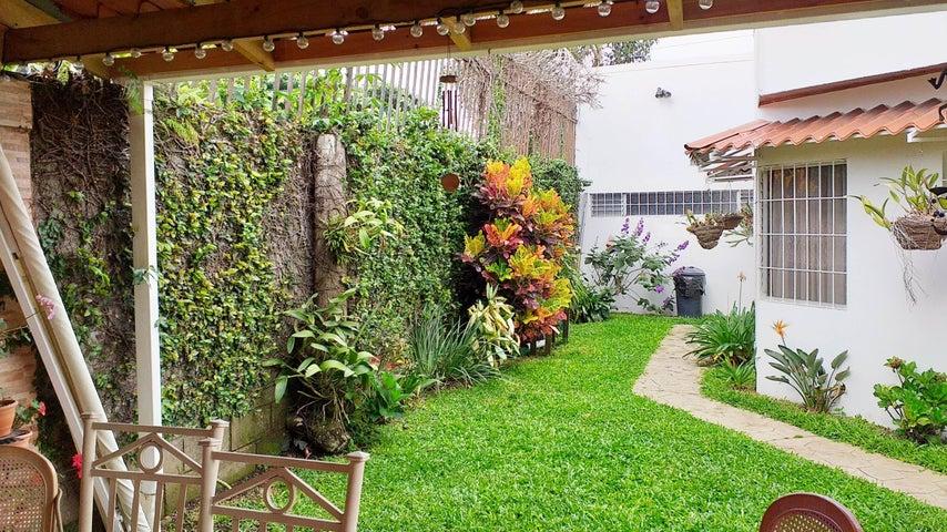 Casa San Jose>San Pedro>Montes de Oca - Venta:330.000 US Dollar - codigo: 20-847