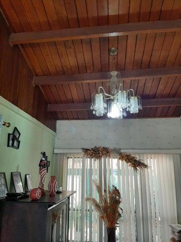 Casa San Jose>Tibas>Tibas - Venta:188.000 US Dollar - codigo: 20-905