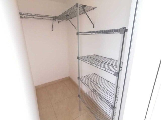 Casa San Jose>Granadilla>Curridabat - Venta:175.000 US Dollar - codigo: 20-915