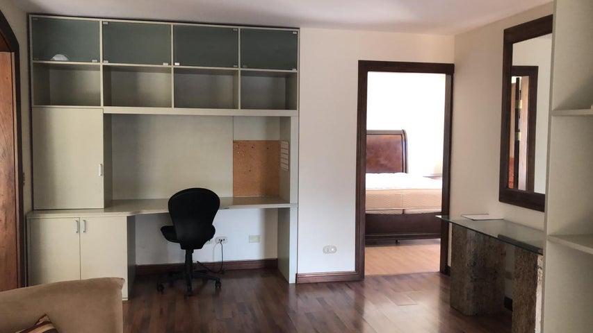 Apartamento San Jose>San Rafael Escazu>Escazu - Venta:220.000 US Dollar - codigo: 20-941