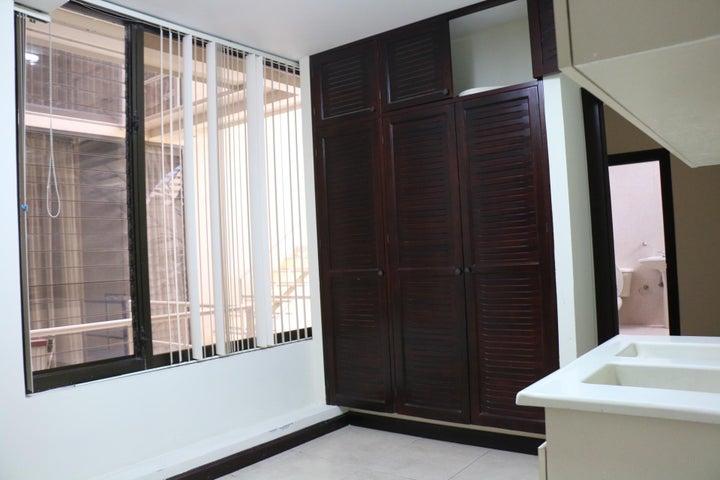 Apartamento San Jose>Escazu>Escazu - Venta:495.000 US Dollar - codigo: 20-970