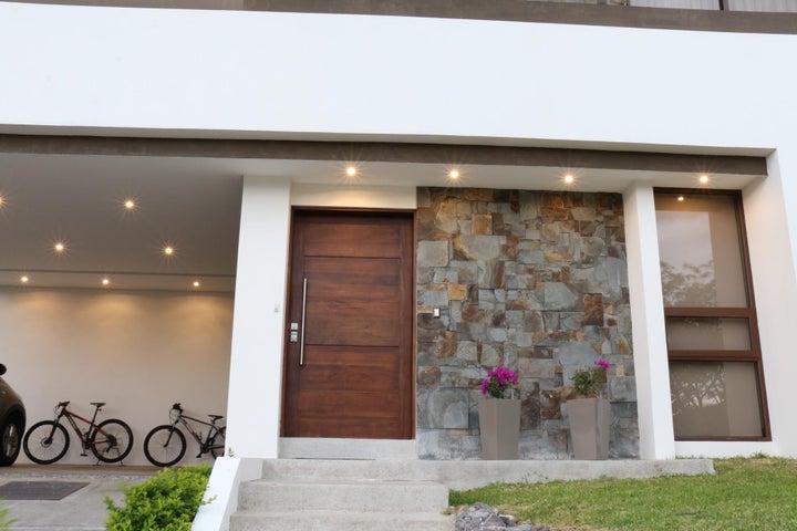 Casa San Jose>Santa Ana>Santa Ana - Venta:690.000 US Dollar - codigo: 20-988