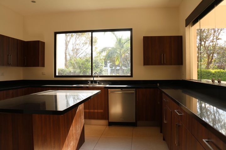 Casa San Jose>Santa Ana>Santa Ana - Venta:975.000 US Dollar - codigo: 20-1001