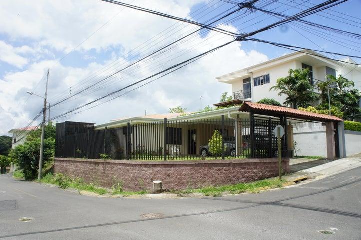 Casa San Jose>Brasil de Santa Ana>Santa Ana - Venta:175.000 US Dollar - codigo: 20-1119