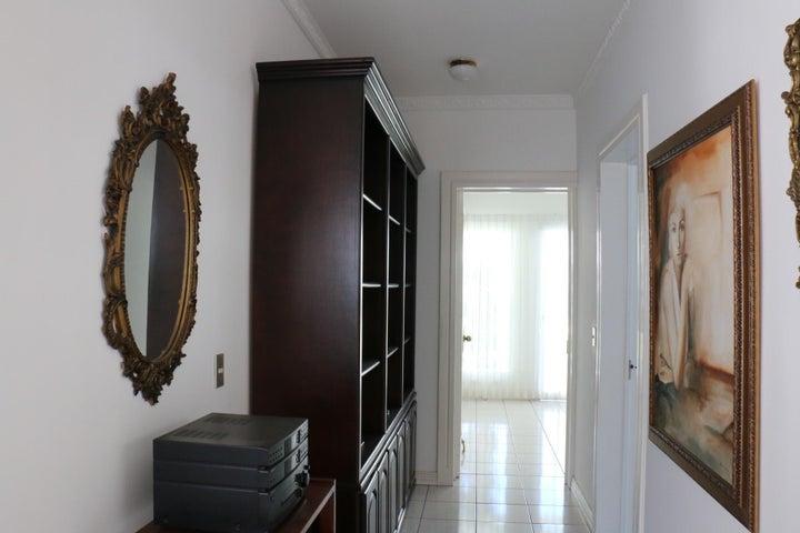 Casa San Jose>Ciudad Colon>Mora - Alquiler:5.000 US Dollar - codigo: 20-1541