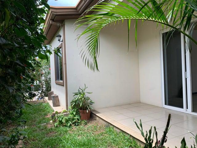 Casa Alajuela>Alajuela>San Rafael de Alajuela - Alquiler:800 US Dollar - codigo: 20-1684