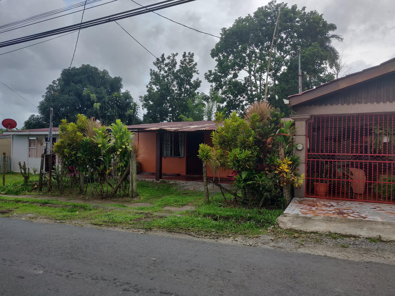 Casa Limon>Guapiles>Guacimo - Venta:30.000 US Dollar - codigo: 20-1802