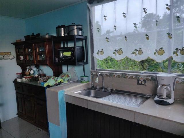 Casa Limon>Guapiles>Pococi - Venta:76.000 US Dollar - codigo: 20-1974