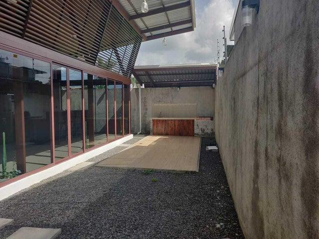 Casa Limon>Guapiles>Pococi - Venta:130.000 US Dollar - codigo: 20-2052