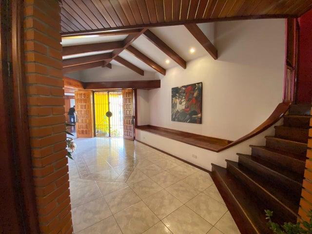 Casa San Jose>Moravia>Moravia - Venta:720.000 US Dollar - codigo: 20-2105