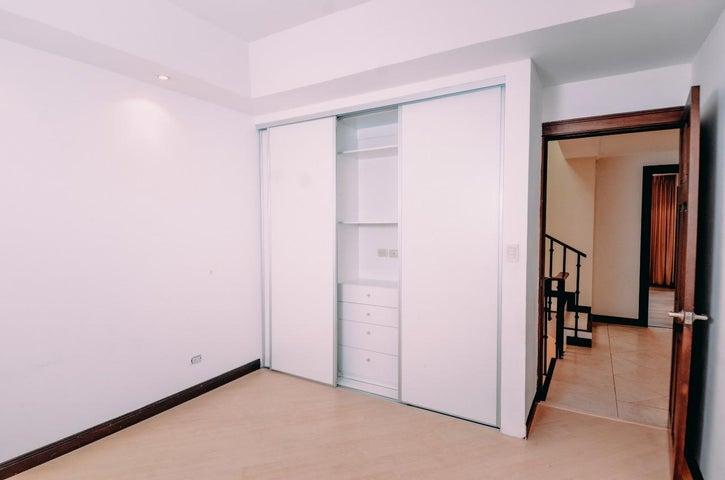Casa San Jose>Escazu>Escazu - Alquiler:2.000 US Dollar - codigo: 20-2116