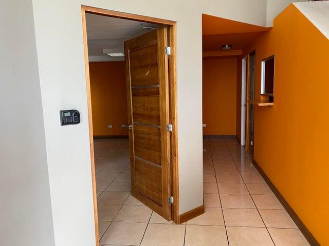 Local comercial San Jose>Rio Oro>Santa Ana - Alquiler:2.700 US Dollar - codigo: 20-2147