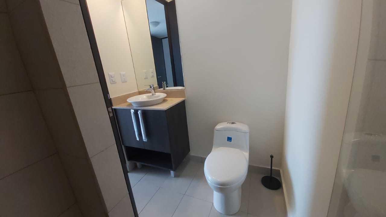 Apartamento San Jose>Sabana>San Jose - Venta:195.000 US Dollar - codigo: 21-45