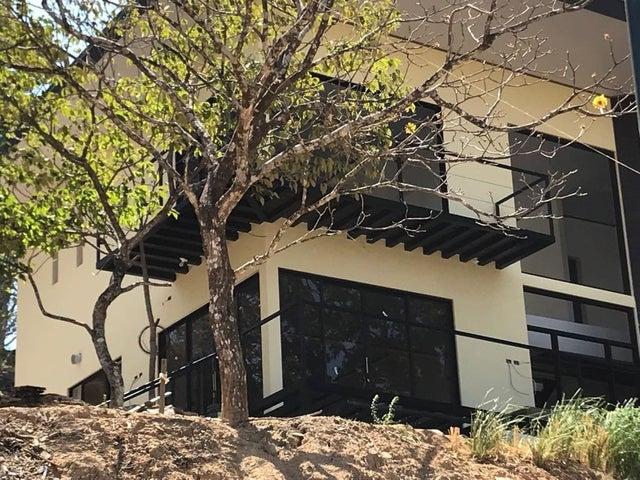 Casa San Jose>Ciudad Colon>Mora - Venta:300.000 US Dollar - codigo: 21-67