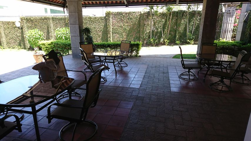 Terreno San Jose>Piedades>Santa Ana - Venta:130.000 US Dollar - codigo: 21-81