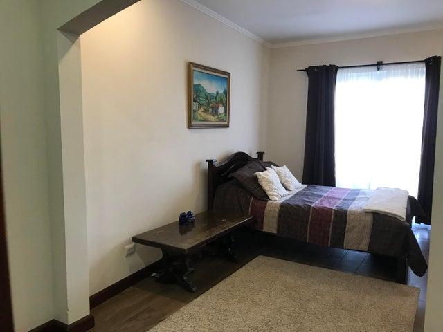Casa San Jose>San Rafael>Montes de Oca - Venta:284.000 US Dollar - codigo: 21-82