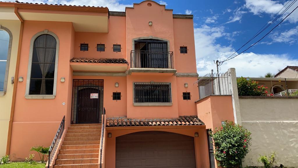 Casa San Jose>San Rafael>Escazu - Venta:295.000 US Dollar - codigo: 21-130
