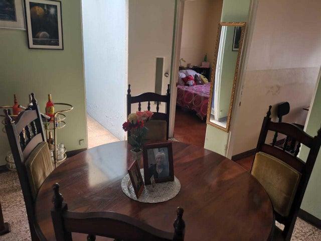 Casa San Jose>Zapote>San Jose - Venta:124.000 US Dollar - codigo: 21-138