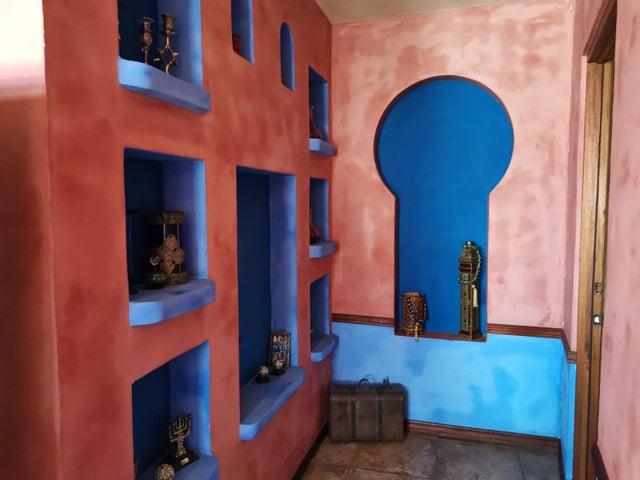Casa Heredia>San Francisco>Heredia - Venta:350.000 US Dollar - codigo: 21-176
