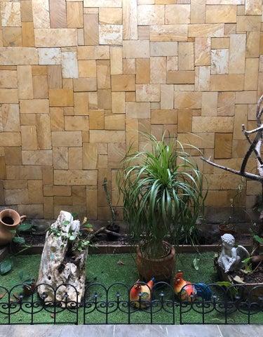 Casa Heredia>San Isidro>San Isidro - Venta:395.000 US Dollar - codigo: 21-179