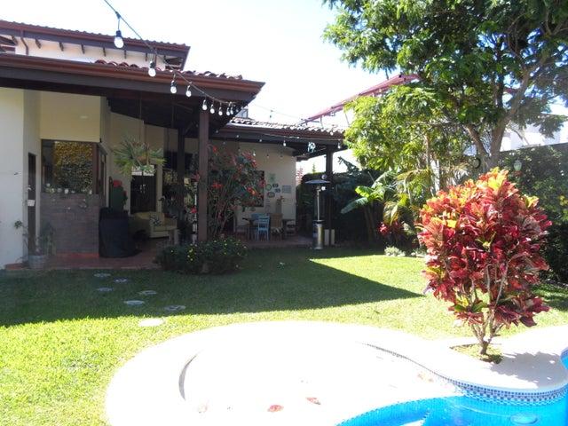 Casa Heredia>Santo Domingo>Santo Domingo - Alquiler:6.000 US Dollar - codigo: 21-192