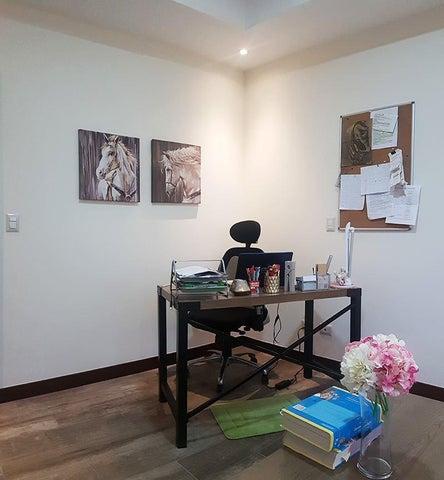 Casa San Jose>Piedades>Santa Ana - Venta:345.000 US Dollar - codigo: 21-209