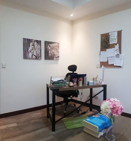 Casa San Jose>Piedades>Santa Ana - Venta:345.000 US Dollar - codigo: 21-211
