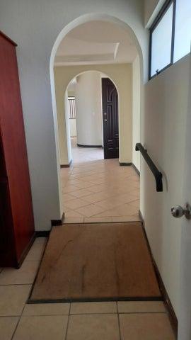 Casa San Jose>Sabana>San Jose - Alquiler:1.400 US Dollar - codigo: 21-219