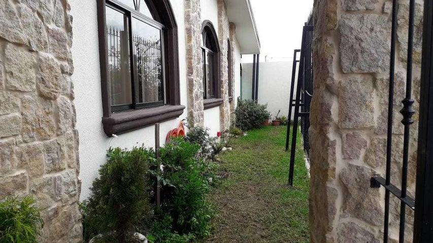 Casa San Jose>Moravia>Moravia - Venta:300.000 US Dollar - codigo: 21-86