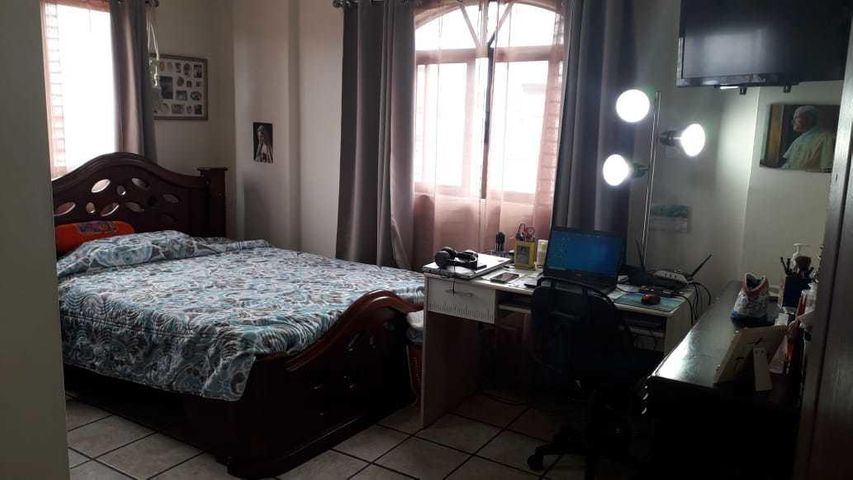 Casa San Jose>Moravia>Moravia - Venta:250.000 US Dollar - codigo: 21-86