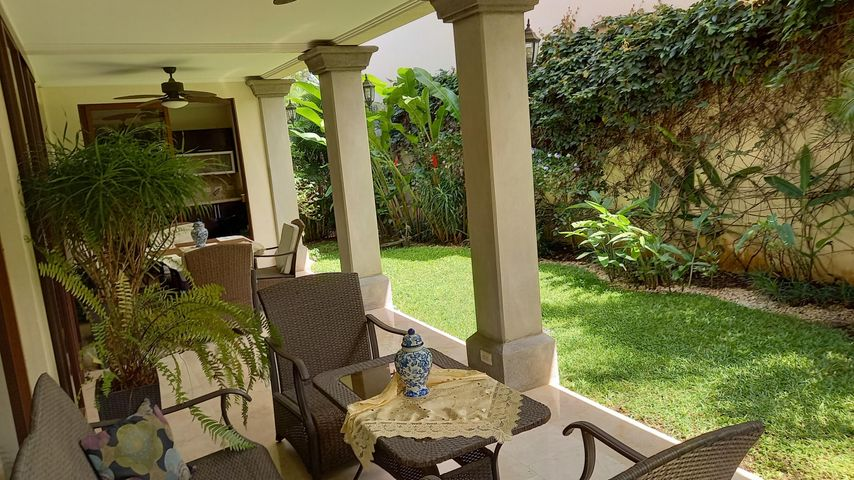 Casa San Jose>Santa Ana>Santa Ana - Venta:475.000 US Dollar - codigo: 21-240