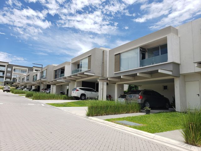 Casa San Jose>Guachipelin>Escazu - Alquiler:3.500 US Dollar - codigo: 21-273
