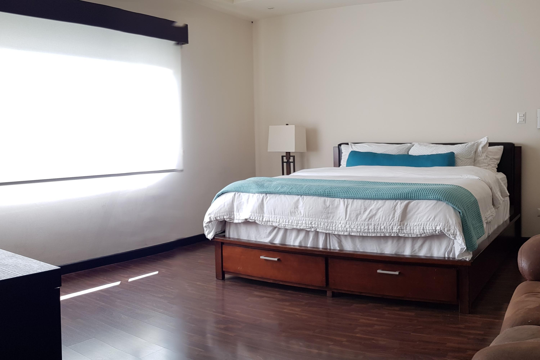 Casa San Jose>Pinares>Curridabat - Venta:325.000 US Dollar - codigo: 21-377