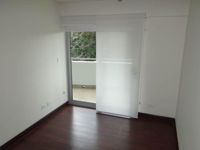 Apartamento San Jose>La Uruca>San Jose - Venta:230.000 US Dollar - codigo: 21-418